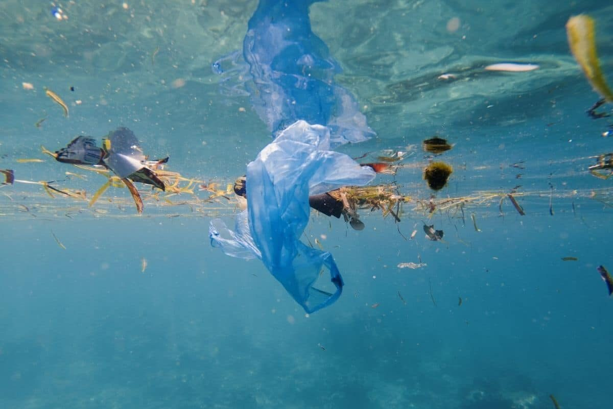 Microplastic in the Wind Causes Pollution